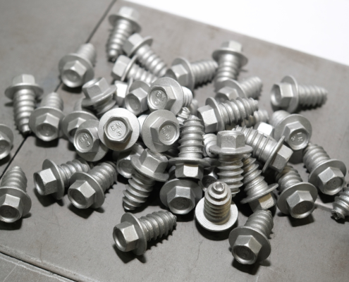 Self-tapping metal roofing screws - Fixing steel roof and floor trusses